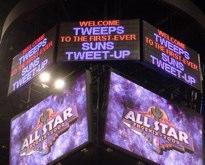 tweetsign 1 A Social Media Slam Dunk