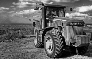 social media strategy tractor 300x191 Tweeting from the Tractor   7 Secrets to Successful Social Media Farming