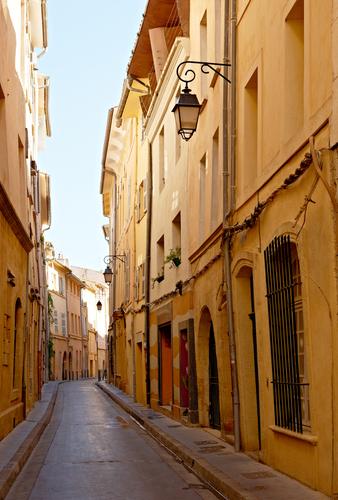 Narrow Street To Build Blog Subscribers, Get Narrow Minded